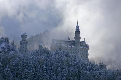 Germany, Bavaria, Neuschwanstein Castle in Winter, Morning Fog, Schwangau Near FŸssen-Uwe Steffens-Photographic Print