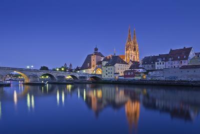 Germany, Bavaria, Upper Palatinate, Danube, Regensburg (City-Udo Siebig-Photographic Print