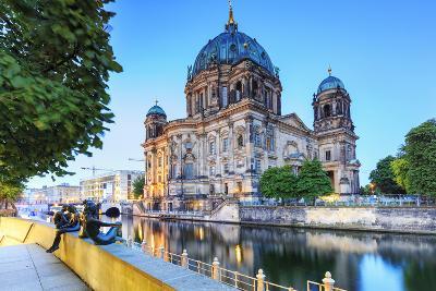 Germany, Deutschland. Berlin. Berlin Mitte. Berlin Cathedral, Berliner Dom.-Francesco Iacobelli-Photographic Print