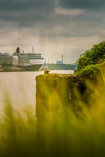 Germany, Hamburg, Hafencity, Harbour, Cruise Liner, 'Queen Elizabeth'-Ingo Boelter-Photographic Print