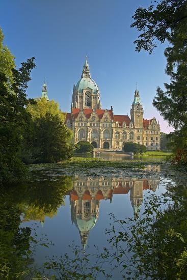 Germany, Lower Saxony, Hanover, Maschpark, Maschteich, Town Hall-Chris Seba-Photographic Print