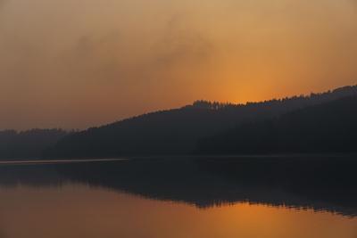 https://imgc.artprintimages.com/img/print/germany-north-rhine-westphalia-sunrise-over-sorpe-dam_u-l-q1byta40.jpg?p=0