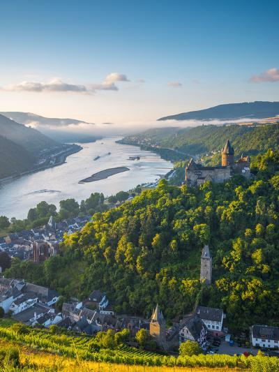 Germany, Rhineland Palatinate, Bacharach and Burg Stahleck (Stahleck Castle), River Rhine-Alan Copson-Photographic Print