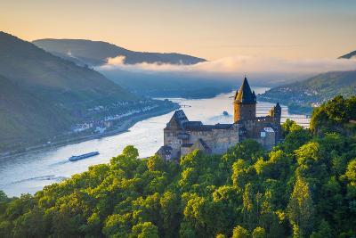 Germany, Rhineland Palatinate, Bacharach, Burg Stahleck (Stahleck Castle), River Rhine-Alan Copson-Photographic Print