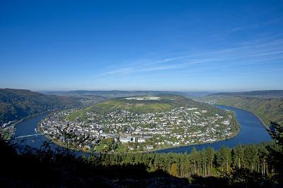 Germany, Rhineland-Palatinate, Traben-Trarbach, Moselle Valley, Overview, Moselle Loop-Chris Seba-Photographic Print
