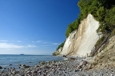 Germany, the Baltic Sea, Western Pomerania, Island RŸgen, Chalk Rocks, Ferry, Horizon-Chris Seba-Photographic Print