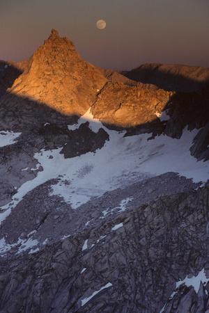 Sawtooth Peak, Moonrise, Sequoia and Kings Canyon National Park, California, USA