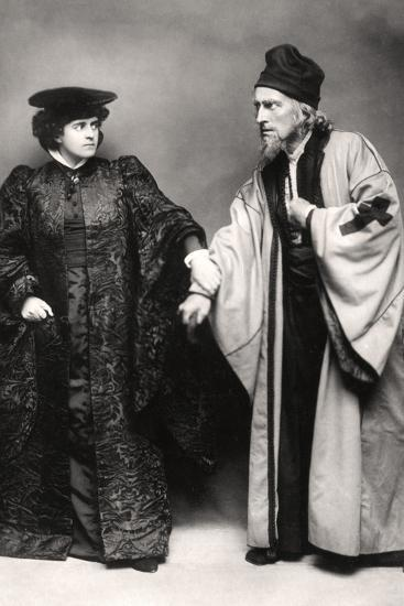 Gertude Elliott and Johnston Forbes-Robertson in the Merchant of Venice, Early 20th Century-Lizzie Caswall Smith-Photographic Print