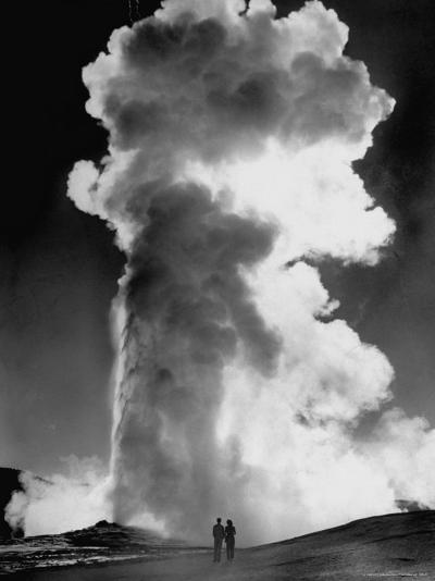 "Geyser ""Old Faithful"" Erupting in Yellowstone National Park-Alfred Eisenstaedt-Photographic Print"