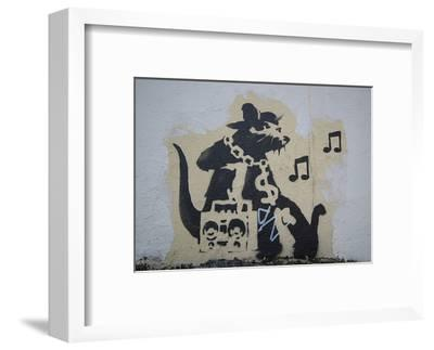 Ghetto Blaster Rat-Banksy-Framed Art Print