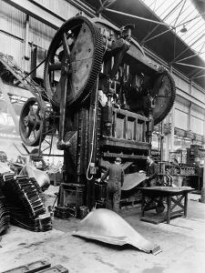 Giant Press, Vauxhall Factory, Luton, Bedfordshire, 1935