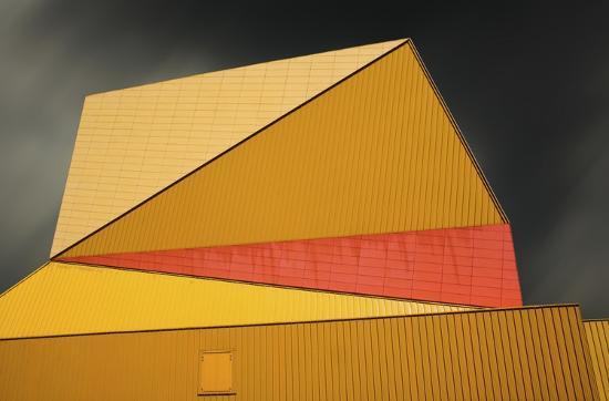 gilbert-claes-the-yellow-roof