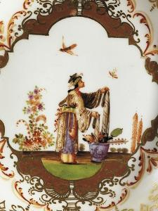 Gilding and Chinoiserie Decorated Cup, 1725