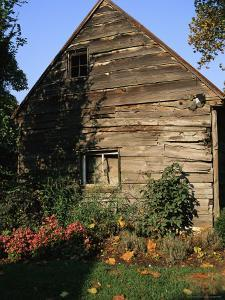Old Barn in Ellicott City, Maryland by Gina Martin