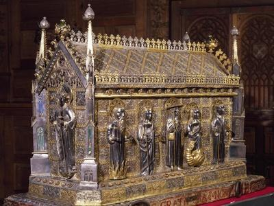 Wooden Case with Reliquary of St Grato