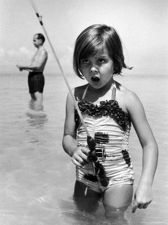 https://imgc.artprintimages.com/img/print/girl-with-a-fishing-rod_u-l-p3mhnn0.jpg?p=0