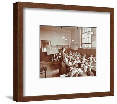 Girls Hebrew Reading Lesson, Jews Free School, Stepney, London, 1908