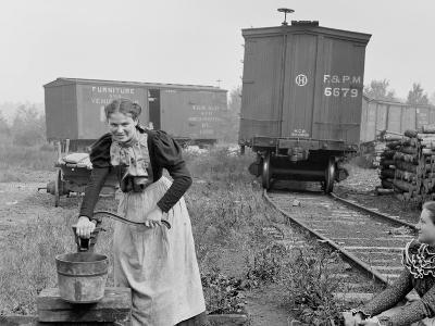 Girls of the Paper Mills, Appleton, Wis.--Photo