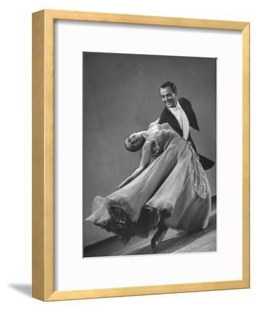 Frank Veloz and Yolanda Casazza, Husband and Wife, Top U.S. Ballroom Dance Team Performing