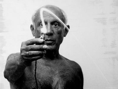 Pablo Picasso Using Flashlight to Begin Making Light Drawing in the Air