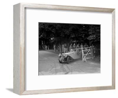 GL Boughtons Singer B37, winner of a premier award at the MCC Torquay Rally, July 1937-Bill Brunell-Framed Photographic Print