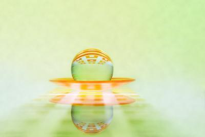 https://imgc.artprintimages.com/img/print/glass-sphere_u-l-q11dbze0.jpg?p=0