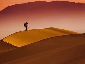 Mesquite Flat Dunes at Death Vakkey National Park by Gleb Tarro