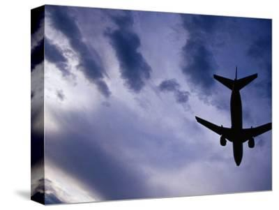 Boeing 737 on Landing Approach to Tullamarine Airport, Melbourne, Australia