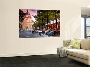 Dining Near La Sorbonne by Glenn Beanland