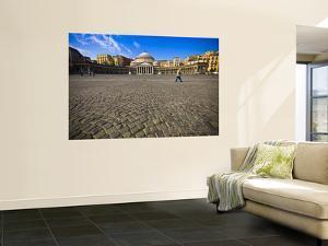 Piazza Del Plebiscito by Glenn Beanland