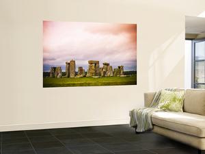 Stonehenge by Glenn Beanland