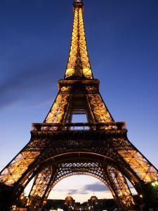 The Eiffel Tower at Dusk, Paris, France by Glenn Beanland
