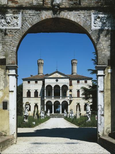 Glimpse of Villa Giustinian or Castello Ciani Bassetti, Roncade, Veneto, Italy, 16th Century--Giclee Print