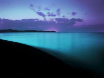https://imgc.artprintimages.com/img/print/glowing-turquoise-blue-waters_u-l-pyysyw0.jpg?p=0