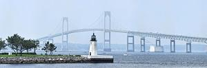 Goat Island Lighthouse with Claiborne Pell Bridge in the Background, Newport, Rhode Island, USA