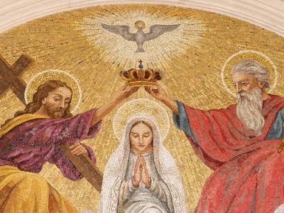 Coronation of the Virgin Mary, Basilica of Fatima, Fatima, Estremadura, Portugal, Europe