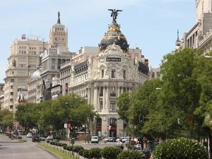 Metropolis Building, Madrid, Spain, Europe by Godong