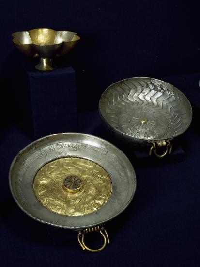 Gold and Silver Plates and Bowls of Undebaunded--Giclee Print