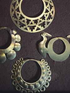 Gold Collars Originating from Narino