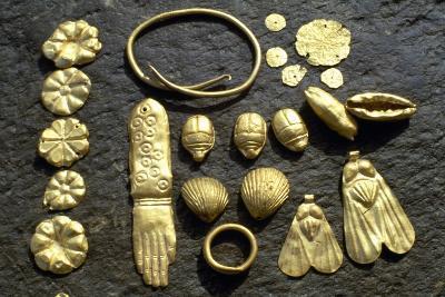 Gold Grave Goods--Giclee Print