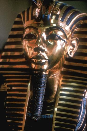 Gold mask of Tutankhamun on his mummy-case. Artist: Unknown-Unknown-Giclee Print