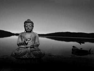 https://imgc.artprintimages.com/img/print/golden-buddha-lakeside_u-l-pz0v420.jpg?p=0