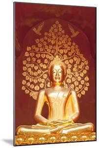 Golden Buddha Statue Inside the Chedi of Wat Phan On, Chiang Mai, Thailand