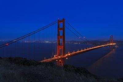 https://imgc.artprintimages.com/img/print/golden-gate-bridge-at-night_u-l-q1agvo30.jpg?p=0