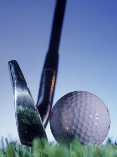 Golf Ball and Tee-Matthew Borkoski-Photographic Print
