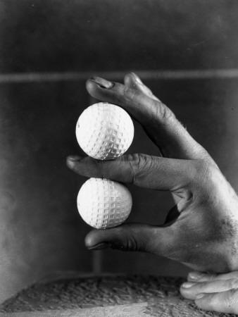 https://imgc.artprintimages.com/img/print/golf-ball-hand_u-l-q10bxai0.jpg?p=0