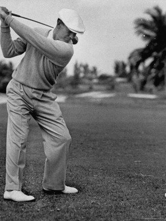 https://imgc.artprintimages.com/img/print/golfer-ben-hogan-keeping-his-shoulders-level-at-top-of-swing_u-l-p440ks0.jpg?p=0