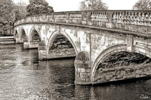Henley-on-Thames by Golie Miamee