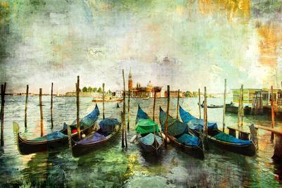 https://imgc.artprintimages.com/img/print/gondolas-beautiful-venetian-pictures-oil-painting-style_u-l-pn0gzl0.jpg?p=0