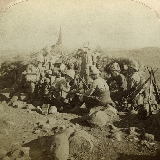 Gordon Highland Signallers on Signal Hill, Euslin, South Africa, Boer War, 1899-1902-Underwood & Underwood-Photographic Print